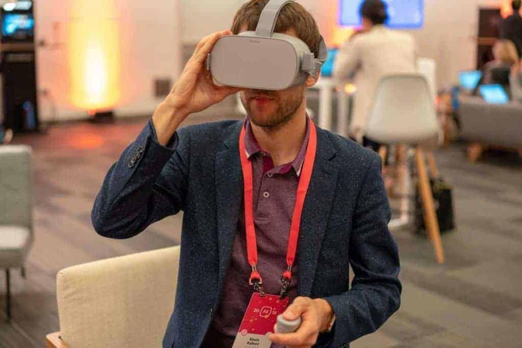 Oculus-Go-F8-Facebook-Kevin-Kyburz
