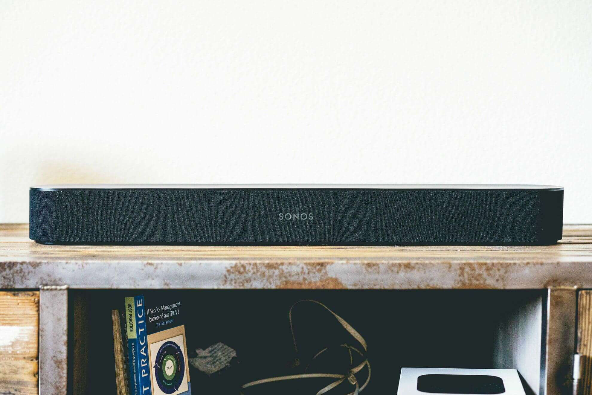 Sonos-Beam-above-front