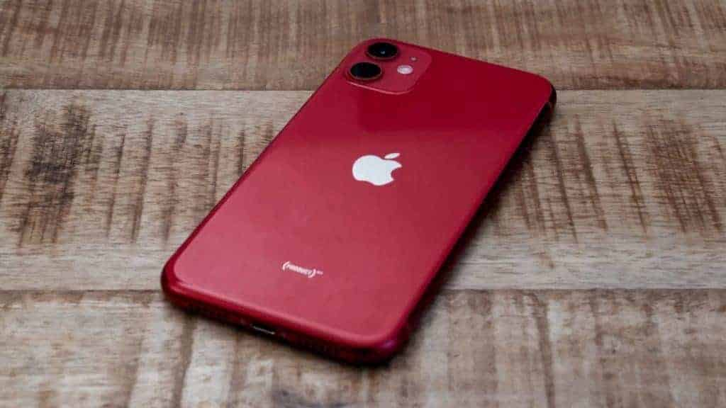 Apple-iPhone-11-Product-Red-Back