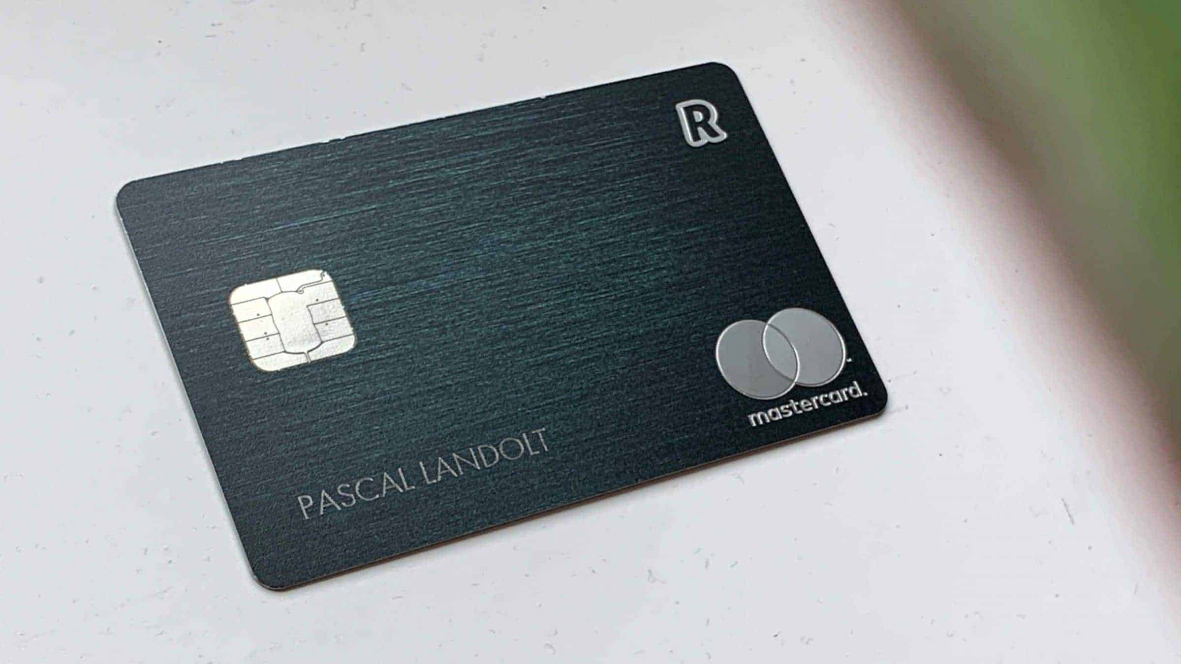 Revolut-App-and-Cards-Mastercard-Green-Detail