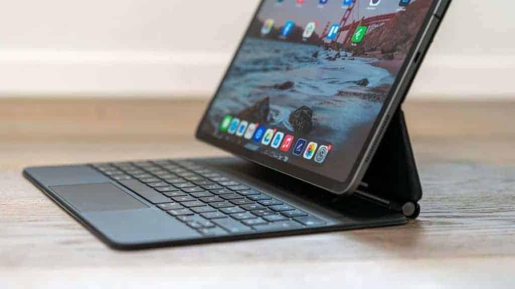 iPad Pro 2020 USB C Seite